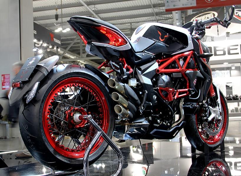 Спецверсия мотоцикла MV Agusta для фанатов Льюиса Хэмилтона.